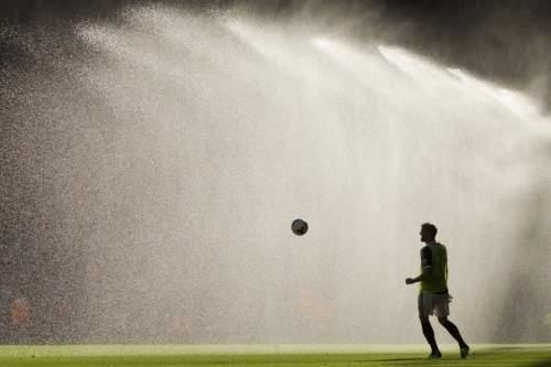 Еврофутбол. «Сити» и «Рома» выигрывают дерби